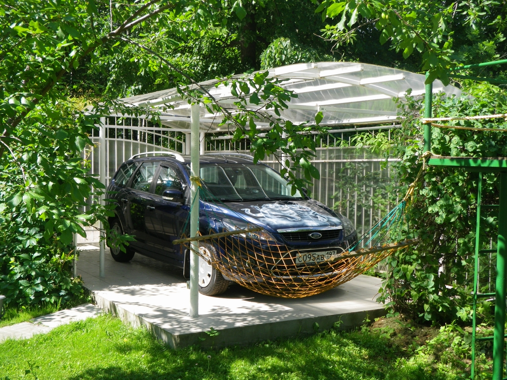 Парковка для авто на даче